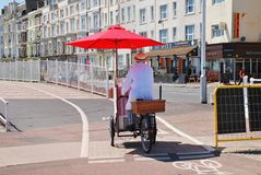 Vendedor del helado, Hastings Imagenes de archivo