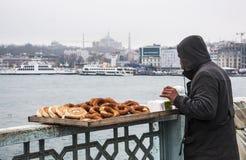 Vendedor del pretzel Fotografía de archivo libre de regalías