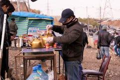 Vendedor do chá em Iraque Fotografia de Stock
