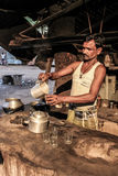 Vendedor do chá na Índia Fotos de Stock