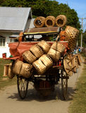 Vendedor filipino da cesta Fotos de Stock