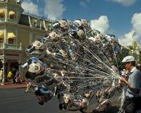 Vendedor mágico del globo del reino de Disney Fotografía de archivo libre de regalías
