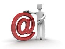 Vendedor que apresenta o conceito dos serviços de acolhimento do email