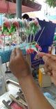 Vendedor que hace a Sugar Candy Imagenes de archivo