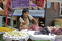 Vendedores ambulantes de Yangon Myanmar Fotografía de archivo