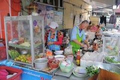 Vendedores ambulantes en Bangkok Imágenes de archivo libres de regalías