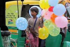 Vendedores ambulantes que venden los globos fotos de archivo libres de regalías