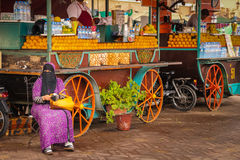 Vendedores anaranjados Cuadrado del EL Fna de Djemaa marrakesh marruecos Fotos de archivo libres de regalías