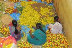 Vendedores da flor no mercado do KR, Bangalore Imagem de Stock
