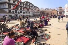 Vendedores da lembrança, Kathmandu, Nepal imagem de stock