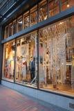Vendedores de ropa confeccionada para caballero urbanos, los E.E.U.U. Fotos de archivo libres de regalías