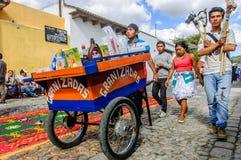 Vendedores del caballo y del slushie de la afición, Antigua, Guatemala Foto de archivo libre de regalías