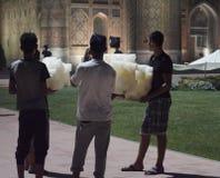 Vendedores del caramelo de algodón en Samarkand Fotografía de archivo libre de regalías