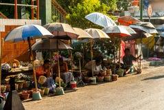 Vendedores fuera de Pasar Beringharjo Imágenes de archivo libres de regalías