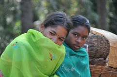 Vendedores tribais das mulheres no vale de Araku, Vishakhapattnam, Índias imagens de stock royalty free