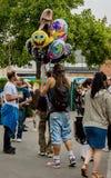 Vendendo balões Fotos de Stock