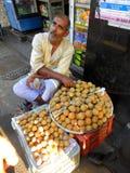 Vendendo frutos frescos em Bandra Imagens de Stock Royalty Free