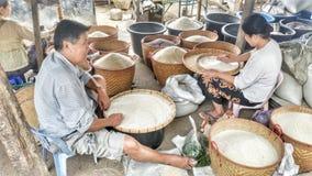 Vendendo o arroz imagem de stock royalty free
