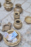 Vendendo produtos cerâmicos no templo do Po Nagar em Nha Trang Fotos de Stock Royalty Free