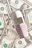 Vendendo seu telefone velho para o dinheiro Fotografia de Stock