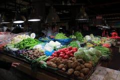 Vendendo vegetarianos no mercado molhado em Shanghai do centro Fotos de Stock