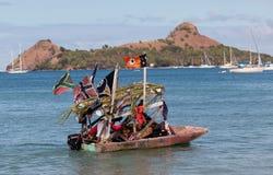 Vendeur dans un bateau - Barbade Images stock