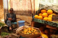 Vendeur de fruit Photo stock