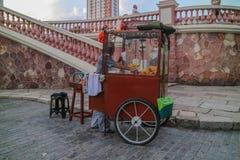 Vendeur de maïs éclaté au Brésil Photographie stock