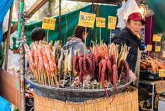 Vendeur de nourriture au parc de château de Hirosaki Photographie stock