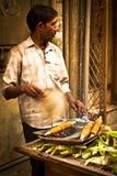 Vendeur de nourriture de rue, Delhi, Inde Image stock
