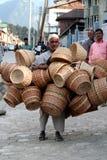 Vendeur de panier Photo stock