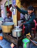 Vendeur de thé dans l'Inde Image libre de droits