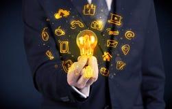 Vendeur promouvant ses idées lumineuses photo stock