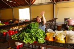 Vendeur végétal féminin à Batumi, la Géorgie Photographie stock libre de droits