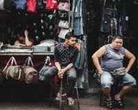 Vendeurs à la rue Malaisie de Petaling Image libre de droits