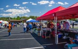 Vendeurs au festival annuel de cornouiller photos stock