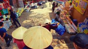 Vendeurs au marché, pagoda de parfum, Hanoï, vietnamien photographie stock libre de droits