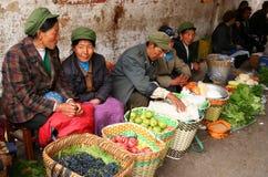 Vendeurs de fruit et de veg photos stock