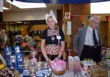 Vendeurs de souvenirs au bazar néerlandais Photos stock