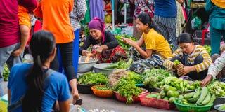 Vendeurs végétaux cambodgiens Images libres de droits