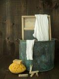 Vendimia del día del lavadero de la colada de la mano Imágenes de archivo libres de regalías