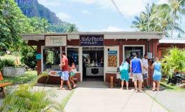 Vendita al dettaglio di Aloha Pearls all'azienda agricola di noce di macadamia tropicale delle aziende agricole Fotografia Stock