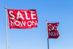 Vendita blu rossa delle bandiere Immagini Stock