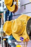 Vendita dei cappelli Immagini Stock