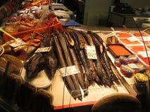 Vendita dei frutti di mare nel mercato di Riga immagini stock libere da diritti