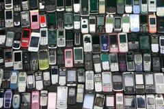 Vendita del telefono cellulare della caratteristica della seconda mano per il pezzo di ricambio Fotografia Stock Libera da Diritti