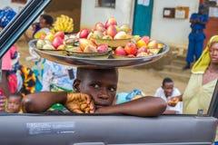 vendita della via nel Burundi Fotografia Stock