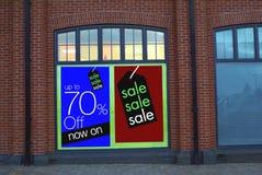 Vendita dentellare e gialla Immagazzini la vendita fino ad un massimo di 70% fuori Immagini Stock