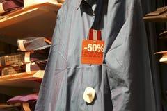 Vendita di acquisto - camice maschii Immagini Stock