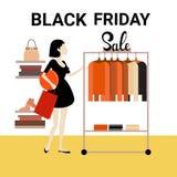 Vendita di Black Friday del negozio di modo dei vestiti di acquisto della donna grande Fotografia Stock Libera da Diritti